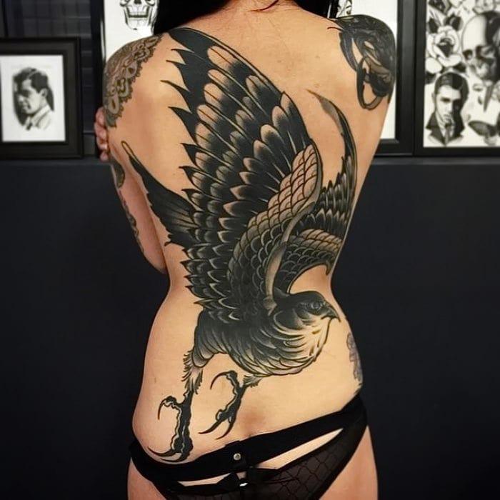 Atemberaubendes Adler in Flug-Tattoo