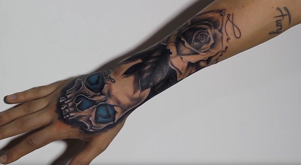 Schädel-Tattoos